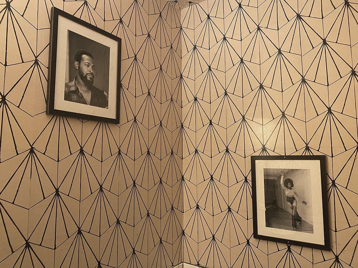 Kiesling-Bathroom_Frames-Citizen