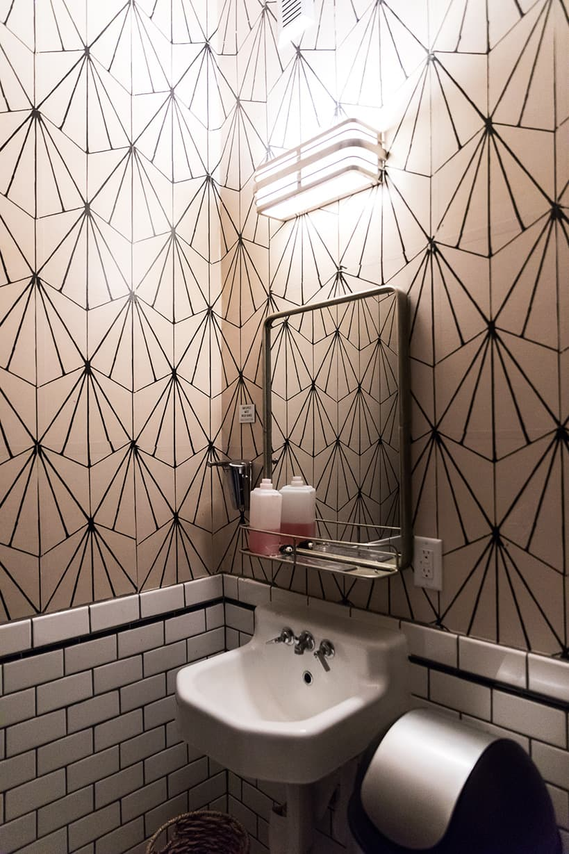 Kiesling-Bathroom_Wallpaper-Citizen