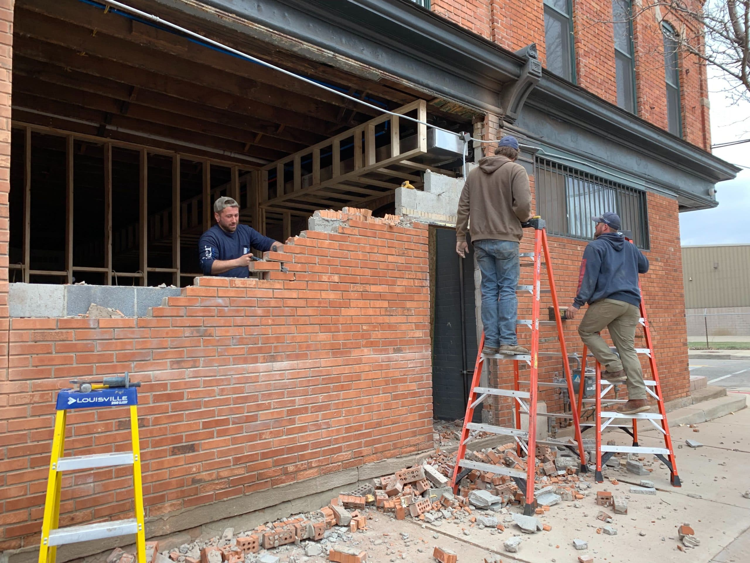 Milwaukee-Caffè-Brick-Construction-Citizen